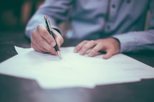 What To Look For Before You Sign A Moonlighting Contract Docsdox Blog